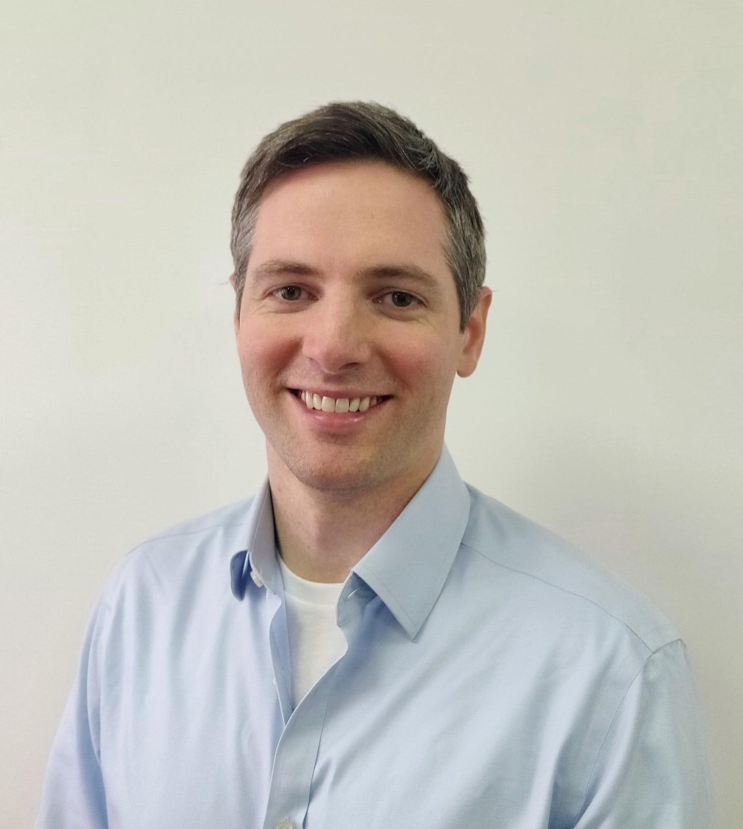 Dr Stuart Yeaton